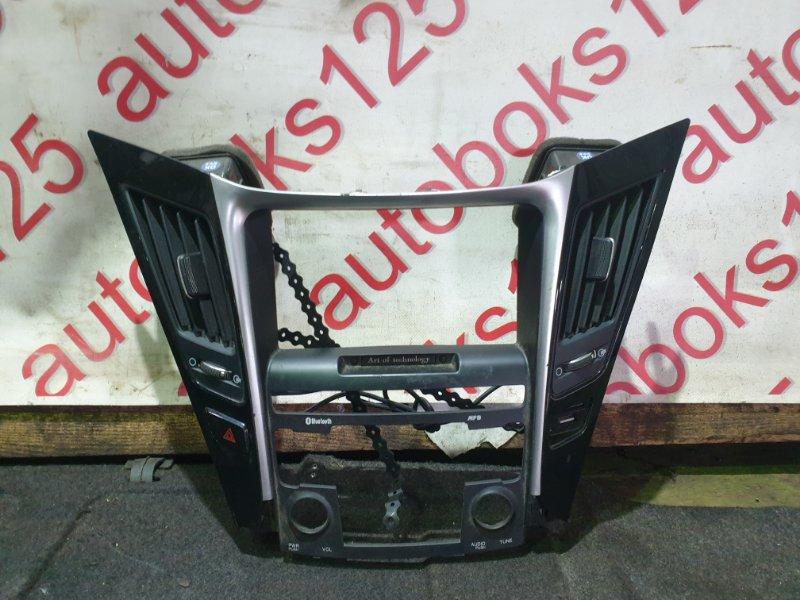Консоль магнитофона Hyundai Sonata YF L4NA 2013