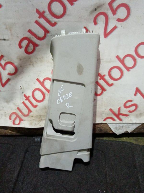 Обшивка стойки Chevrolet Cruze J300 F18D4 2010 правая