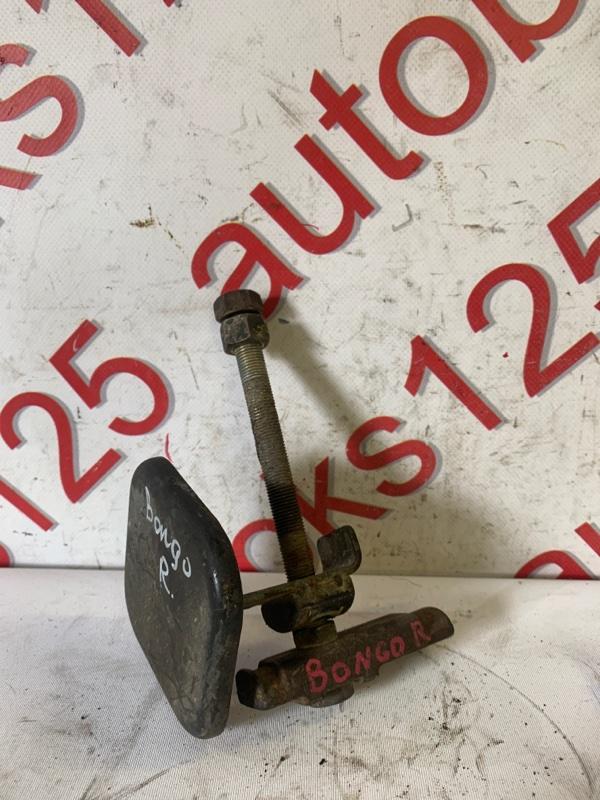 Болт крепления торсиона Kia Bongo PU J3 2007 правый