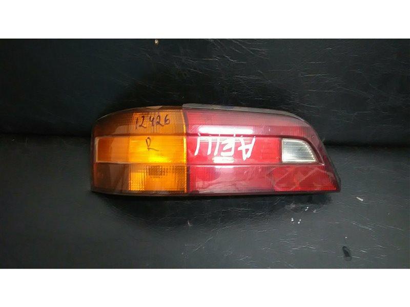 Стоп-сигнал Toyota Sprinter Trueno AE111 5AFE задний левый