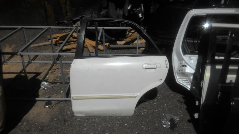 Дверь Mazda Familia BJ5P ZL задняя левая