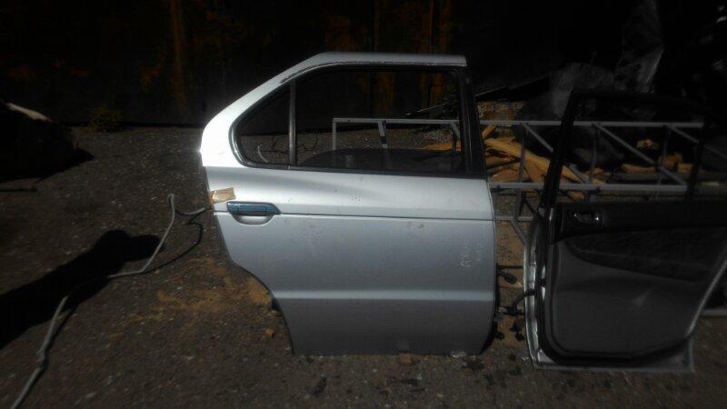Дверь Nissan R'nessa N30 SR20DE задняя правая
