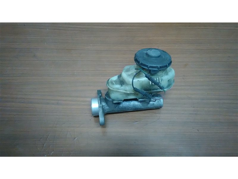 Главный тормозной цилиндр Honda Accord CF4