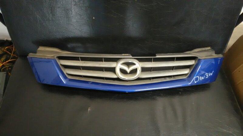 Решетка радиатора Mazda Demio DW3W передняя