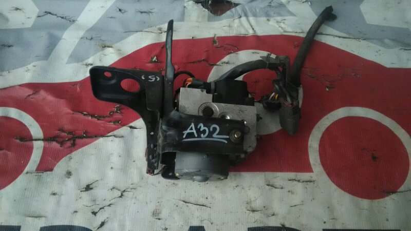Блок управления abs Nissan Cefiro А32 VQ20