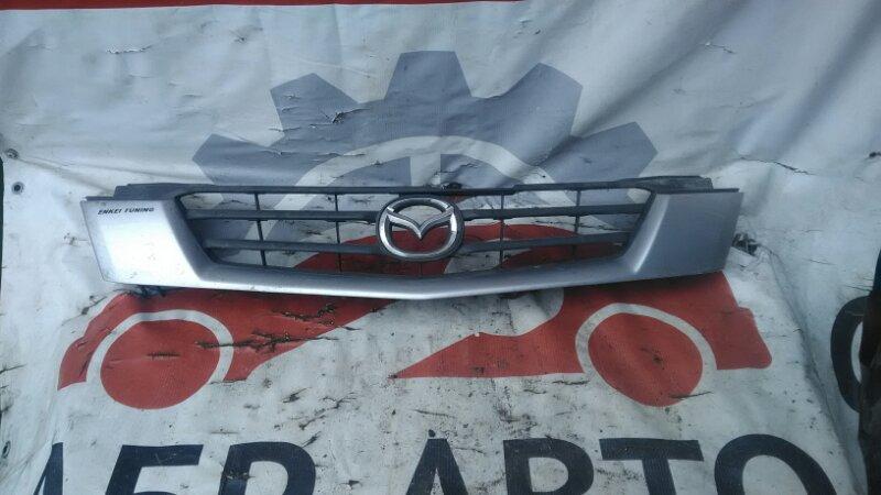 Решетка радиатора Mazda Demio DW3W B3E 2000