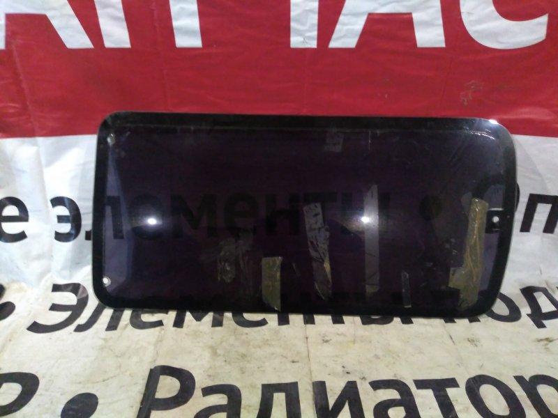 Стекло собачника Toyota Hiace LH107 заднее правое