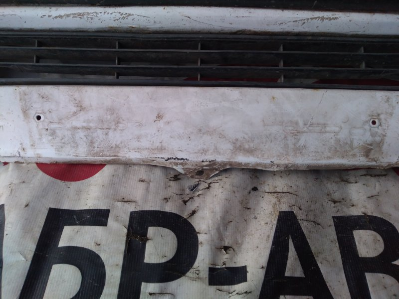Бампер передний Mitsubishi Delica P03W G63B