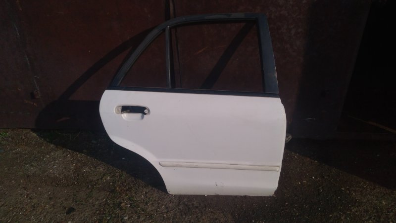Дверь Mazda Familia BJ5P задняя правая