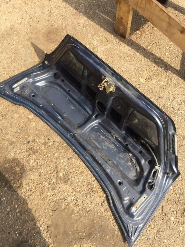Крышка багажника Toyota Sprinter AE110