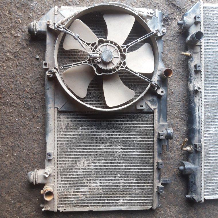 Радиатор охлаждения двигателя Toyota Caldina ST190 4SFE
