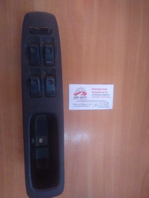 Блок управления стеклоподъемниками Mazda Demio DW3W передний правый