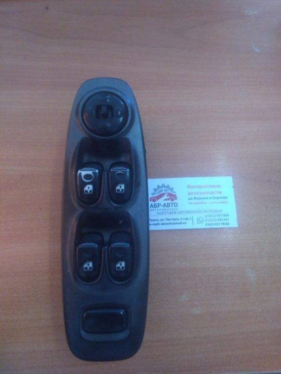 Блок управления стеклоподъемниками Hyundai Accent LC G4EA передний левый