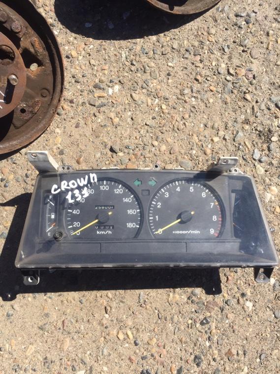 Панель приборов Toyota Crown GS131 1G 1987