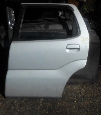 Дверь Suzuki Chevrolet Cruze HR82 M15A задняя левая