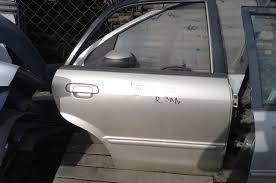 Дверь Mazda 323 задняя правая