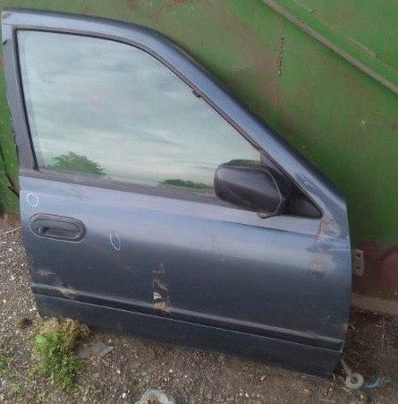 Дверь Nissan Sunny N14 передняя правая