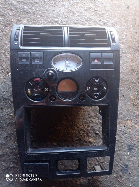 Блок управления климат-контролем Ford Focus CB8 PNDA 2012
