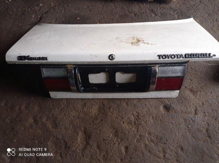Крышка багажника Toyota Corolla AE90