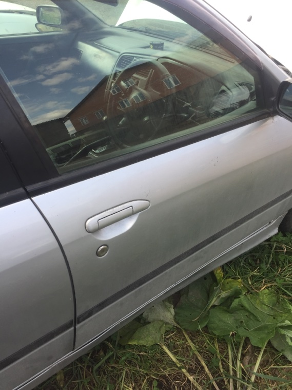 Дверь Nissan Primera WHP11 SR20DE 1997 передняя правая