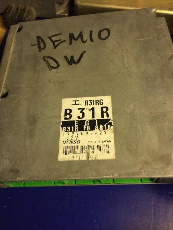 Блок управления двигателем Mazda Demio DW B3