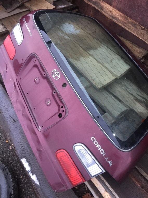 Крышка багажника Toyota Corolla AE100 4AFE 91 задняя