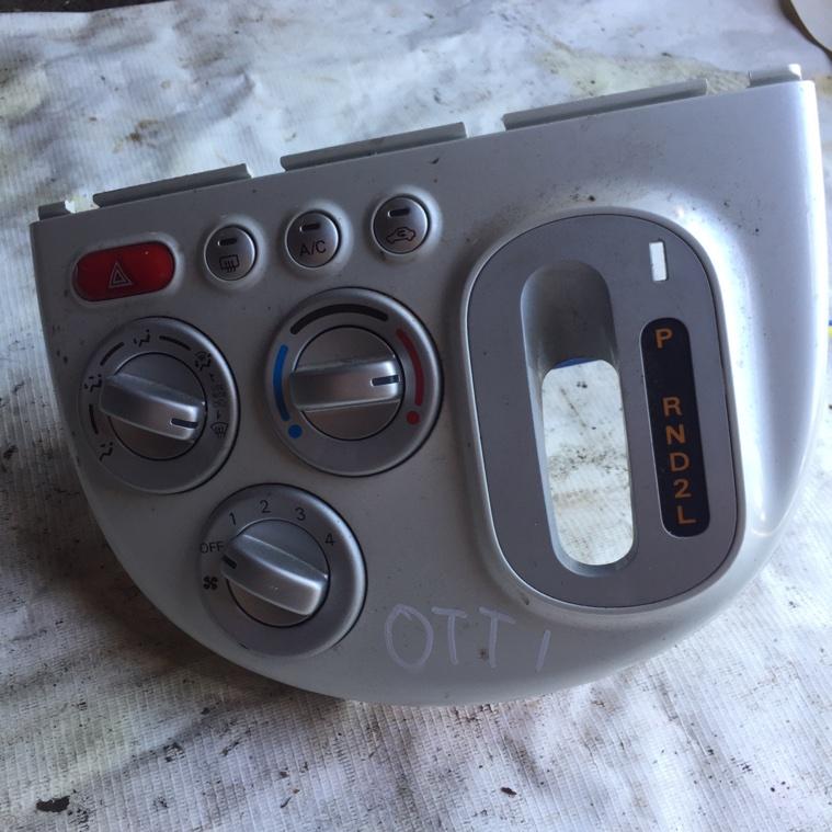 Блок управления климат-контролем Nissan Otti H92W 3G83 2008