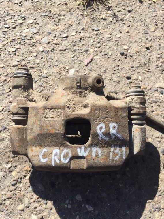 Суппорт Toyota Crown GS131 1G передний правый