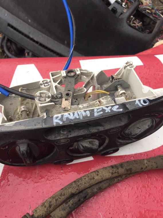 Блок управления климат-контролем Toyota Raum EXZ10 5E-FE