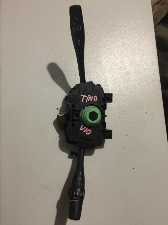 Блок подрулевых переключателей Nissan Tino V10 QG18DE