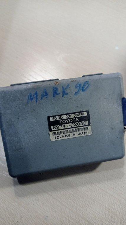 Блок управления дверьми Toyota Mark Ii