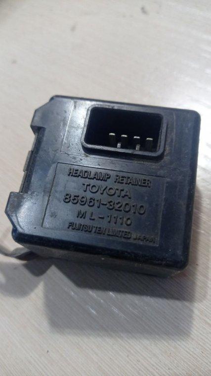 Блок управления светом Toyota Camry