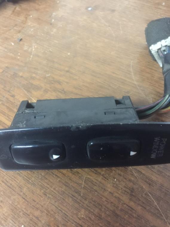 Блок управления стеклоподъемниками Ssangyong Korando KJ OM661 1996 передний левый