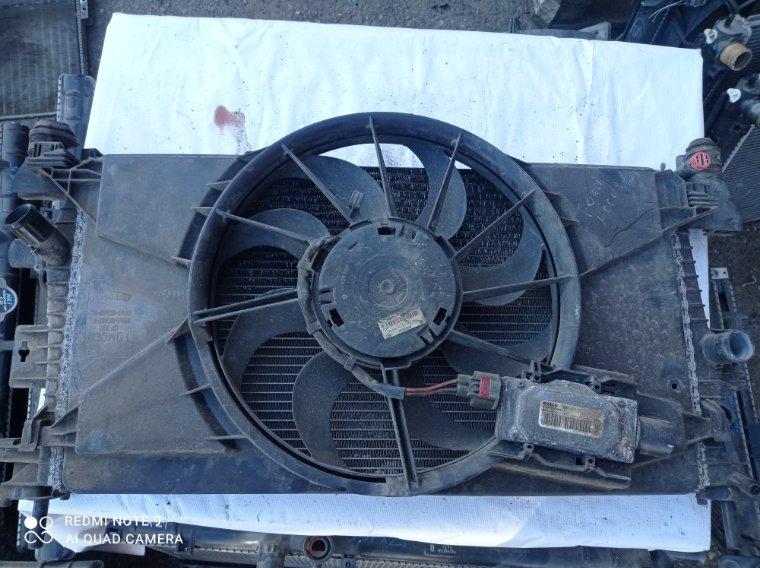 Диффузор радиатора Ford Focus CB8 PNDA