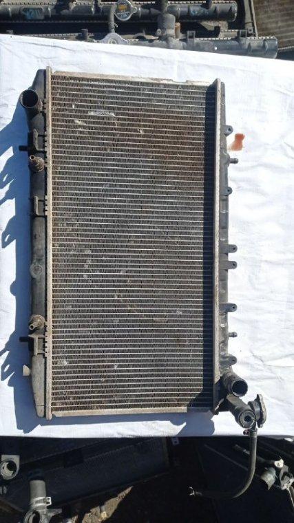 Радиатор охлаждения Nissan Wingroad SR18