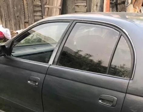 Стекло двери Toyota Corona CT190 2C 1993 заднее левое