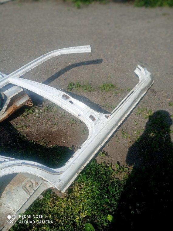 Порог Mazda Demio DW3W DW5W B3 B5 правый