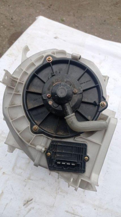 Моторчик печки Mazda Demio DW3W B3