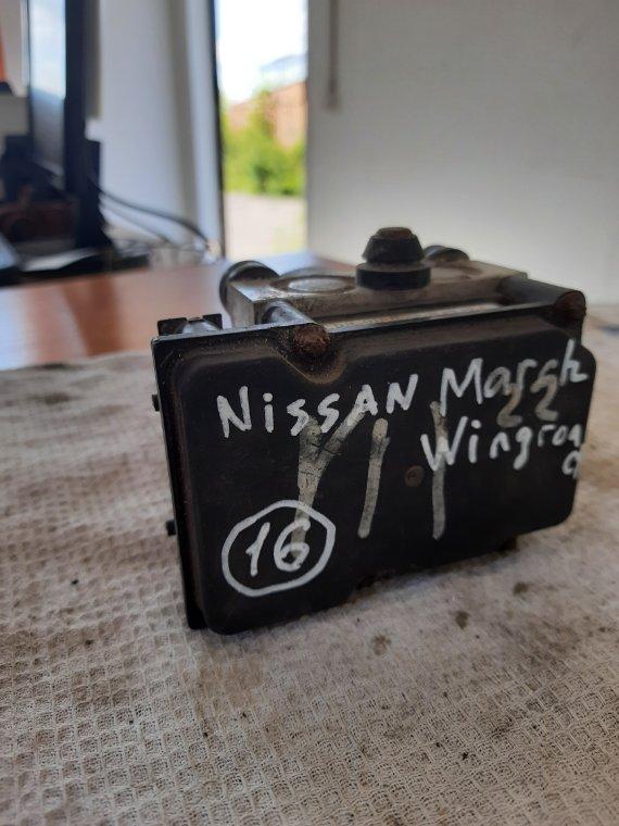 Блок управления abs Nissan Wingroad WFY11 QG15DE