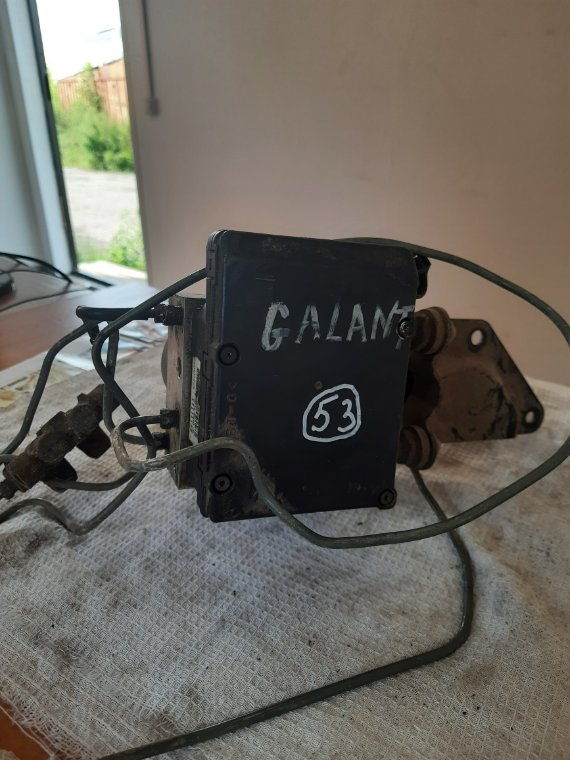 Блок управления abs Mitsubishi Galant EA1A