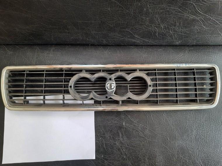 Решетка радиатора Audi 80