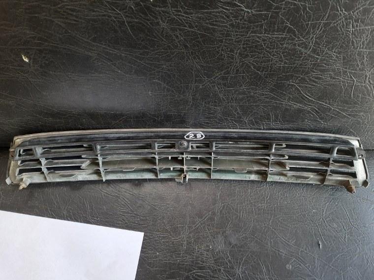 Решетка радиатора Toyota Mark Ii JZX93 1JZGE