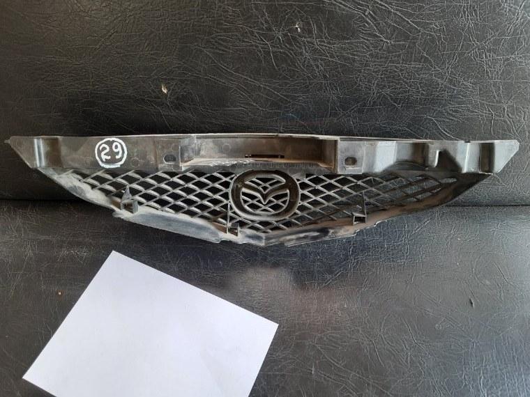 Решетка радиатора Mazda Premacy СЗ8 FPDE