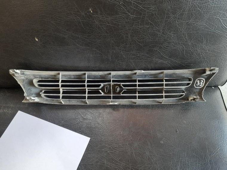 Решетка радиатора Toyota Corsa EL51 4EFE