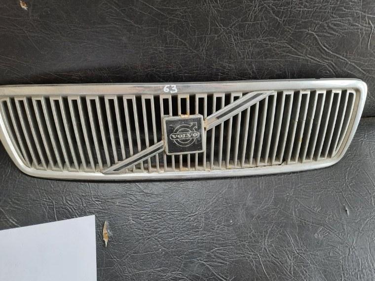 Решетка радиатора Volvo S70