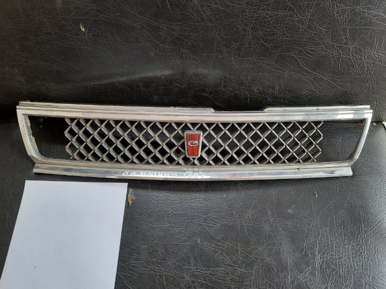 Решетка радиатора Toyota Carina Ed ST160