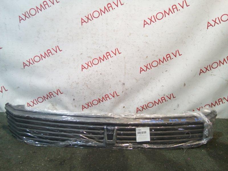Решетка радиатора Toyota Voxy AZR65 1AZ-FSE 2004