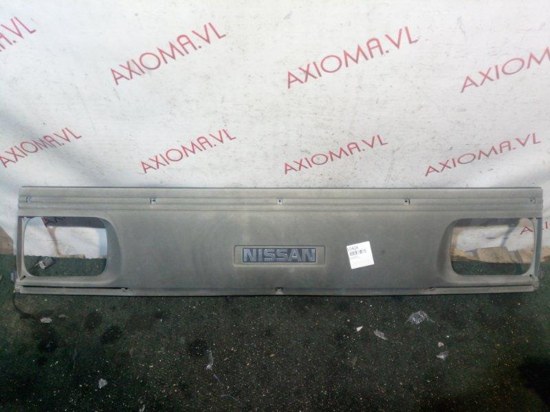 Решетка радиатора Nissan Vanette SE58T FE