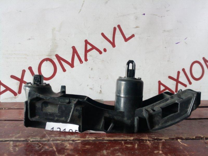 Крепление бампера Toyota Spade NCP141 1NZ-FE заднее правое верхнее