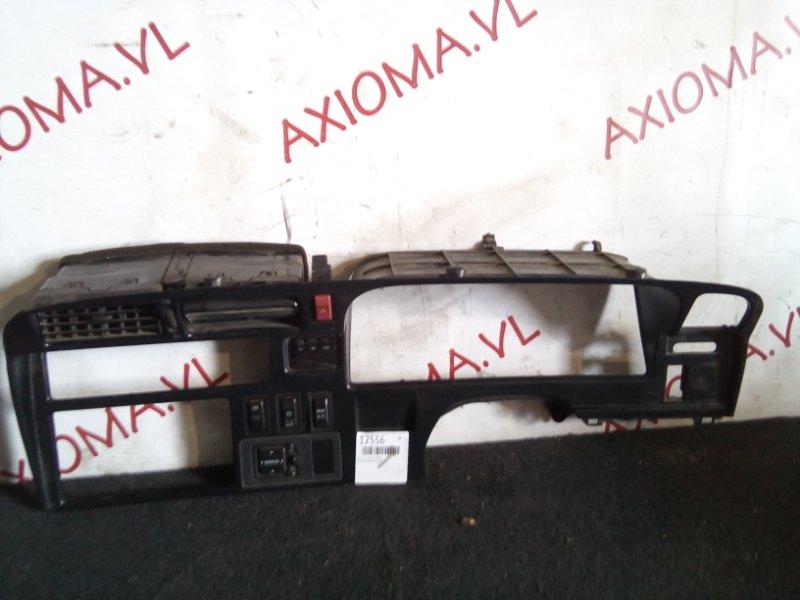 Консоль магнитофона Toyota Hiace LH178 5L
